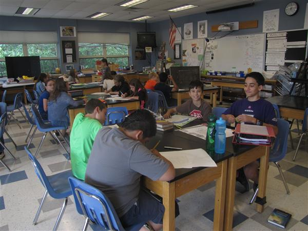 6th Grade Art Students Learning